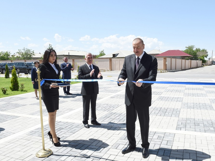 Ильхам Алиев открыл школу в Нахчыване - ФОТО