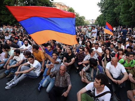 Армянский исход: О том, почему «бархатная» революция - это плохой знак для России