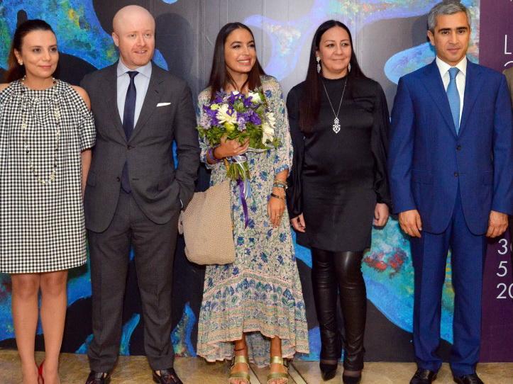 Картины Лейлы Алиевой стали центром инсталляции на персональной выставке Кирилла Истомина в Баку – ФОТО