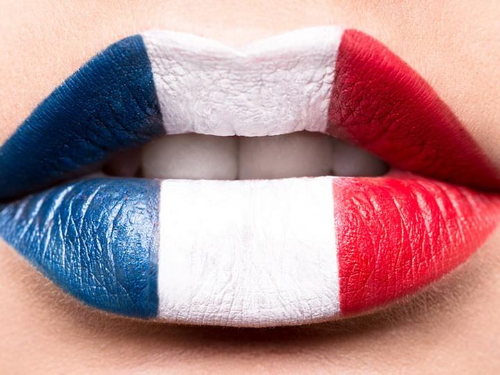 Макрон желает сделать французский основным языком Евросоюза
