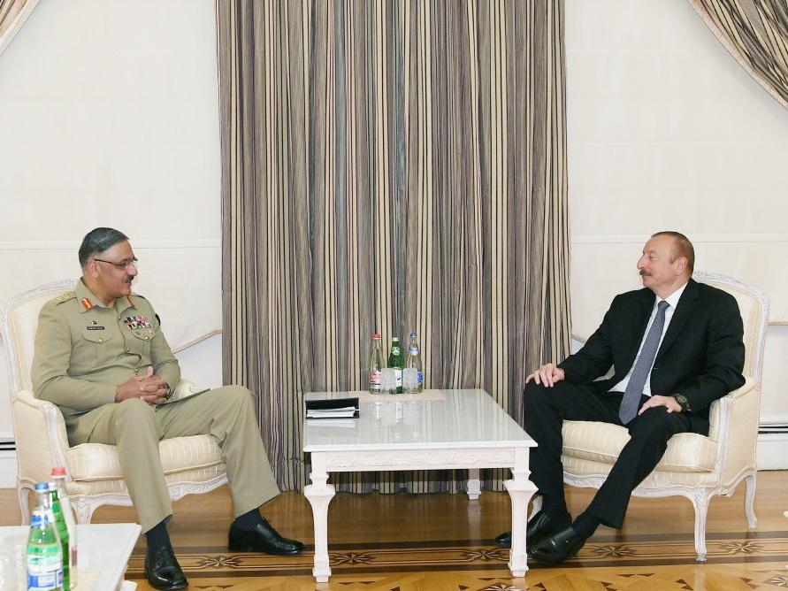 Президент Азербайджана принял главу Комитета начальников объединенных штабов Пакистана