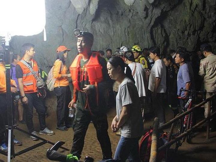В Таиланде в пещере пропали 11 футболистов и тренер