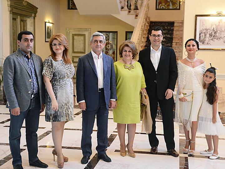 «Полная тайна вкладов»: В Армении раскрыты шокирующие финансовые махинации Сержа Саргсяна и его жены