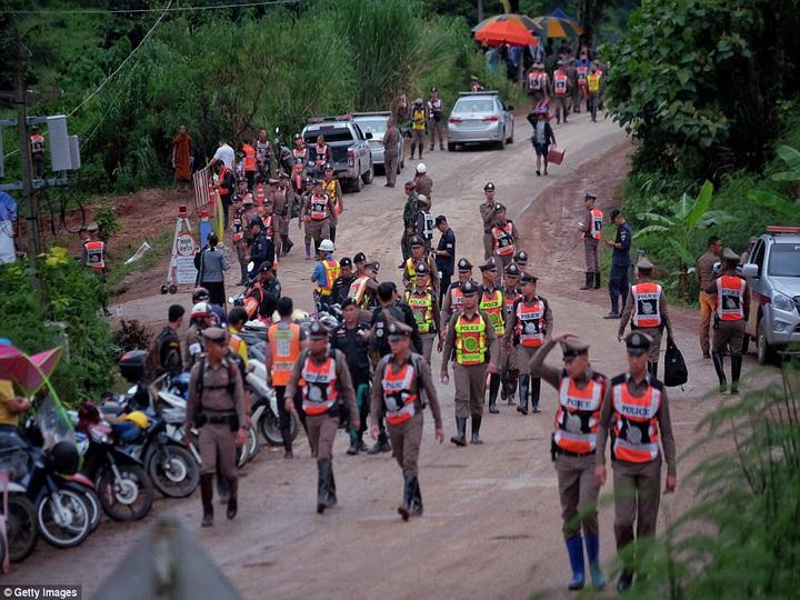 Уникальные кадры спасения тайских детей из пещеры: операция продолжается - ФОТО - ВИДЕО