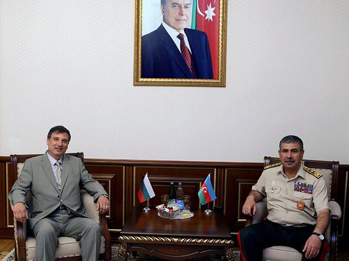 Обсуждены вопросы военного сотрудничества между Азербайджаном и Болгарией