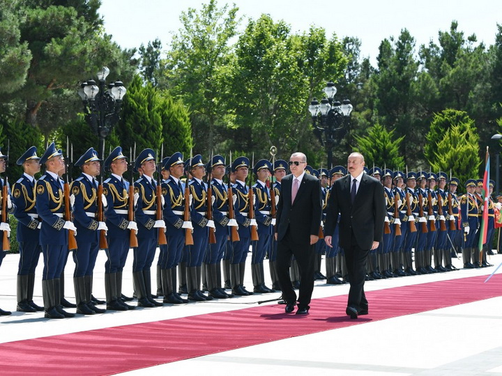 В Баку состоялась церемония официальной встречи Президента Турции - ФОТО
