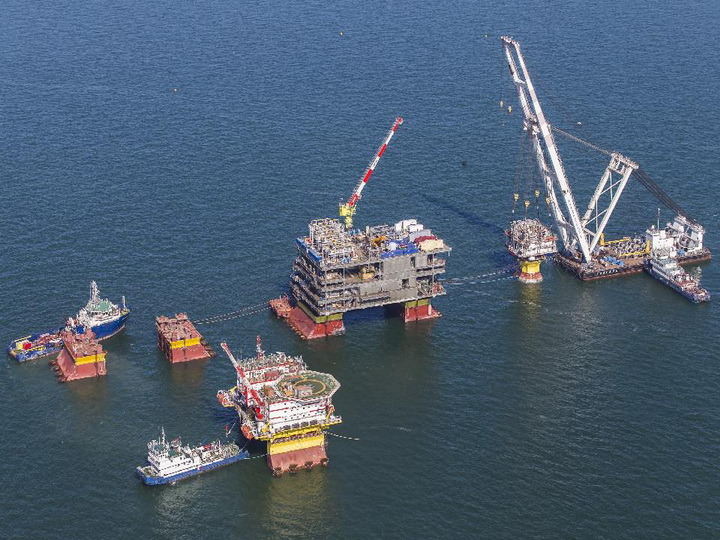 Суда Азербайджанского Каспийского морского пароходства выполняют дноуглубительные работы в российском секторе Каспия