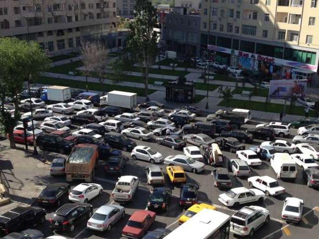 Увеличилось число пробок на дорогах Баку - ОБНОВЛЕНО