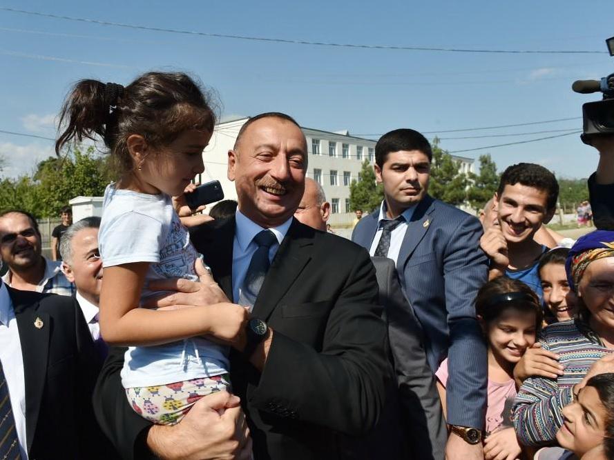 Ильхам Алиев поделился мыслями о доверии народа