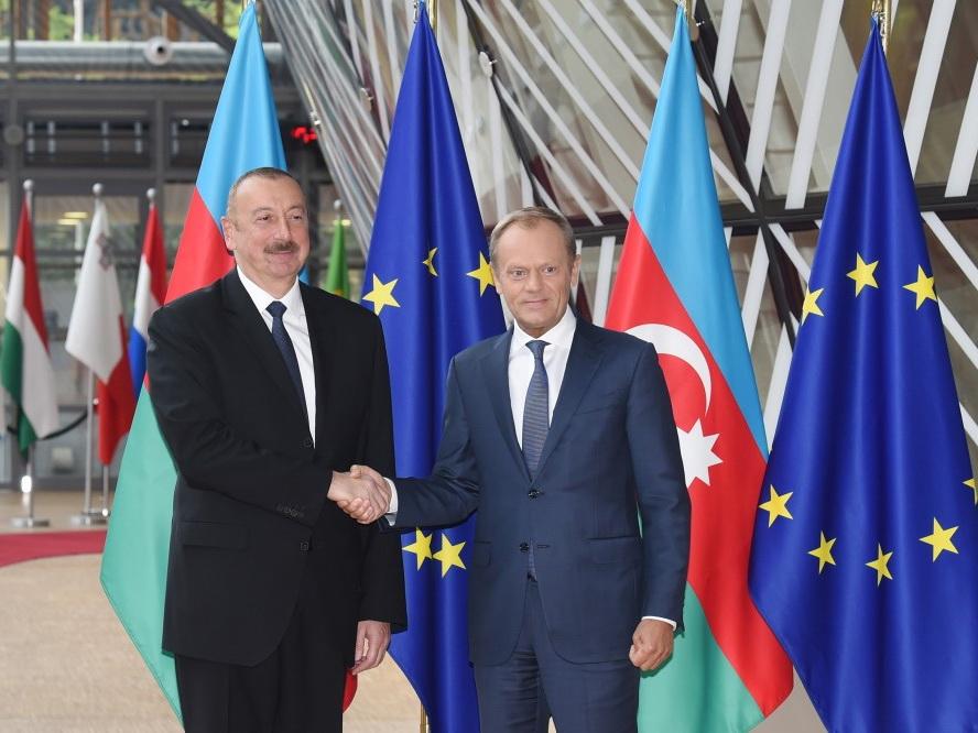 Президент Ильхам Алиев встретился в Брюсселе с председателем Европейского совета - ФОТО