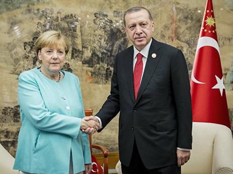 Эрдоган и Меркель провели переговоры в Брюсселе