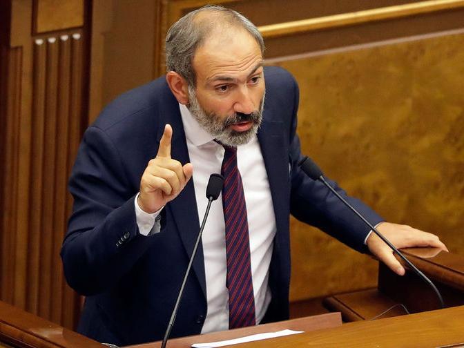Никол Пашинян в роли кота Базилио: Подайте на демократизацию Армении