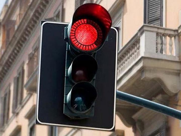 Очередное отключение света создало проблемы на дорогах Баку