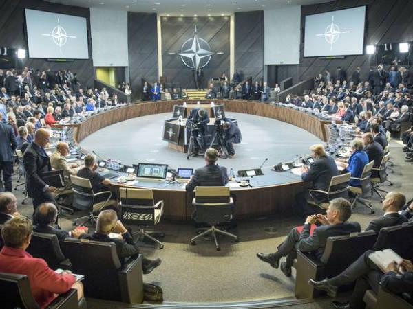 НАТО поддержала усилия, направленные на мирное урегулирование конфликтов на Южном Кавказе