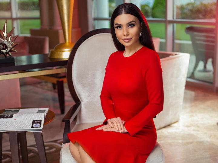 Обворожительная деловая леди Азербайджана - Илаха Гаджиева – ФОТО