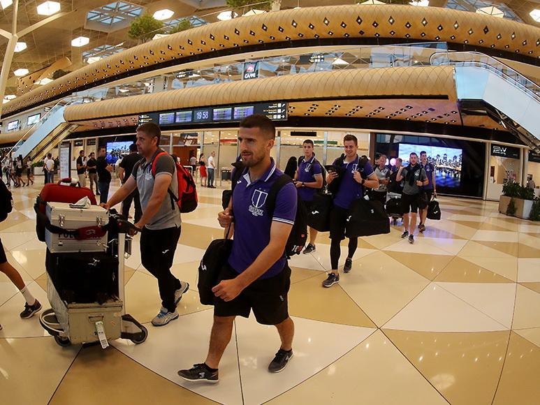 «Уйпешт» летел в Баку чартером с двумя остановками и лишился двоих футболистов – ФОТО