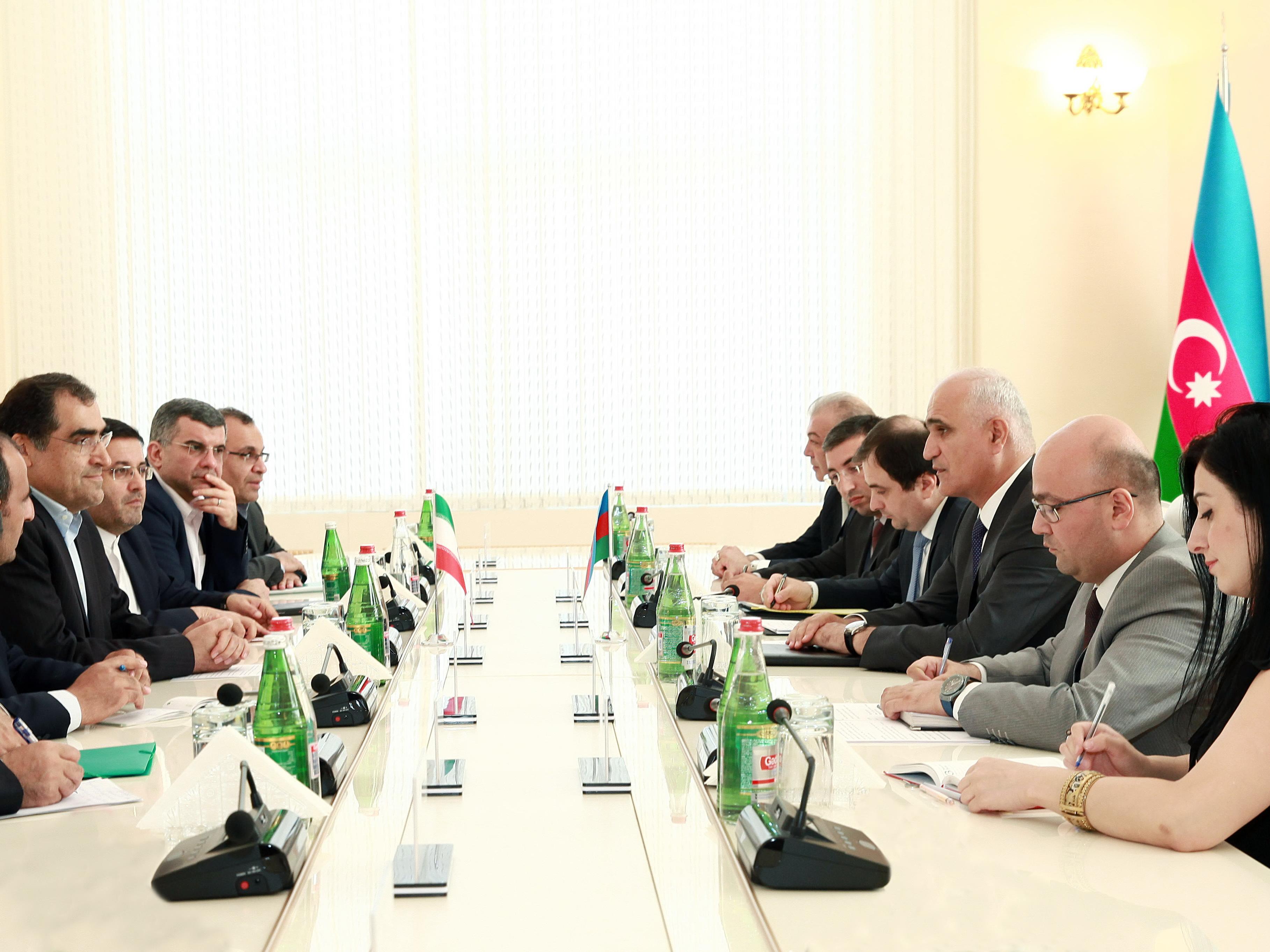 Азербайджан и Иран активизировали связи в медицинской сфере