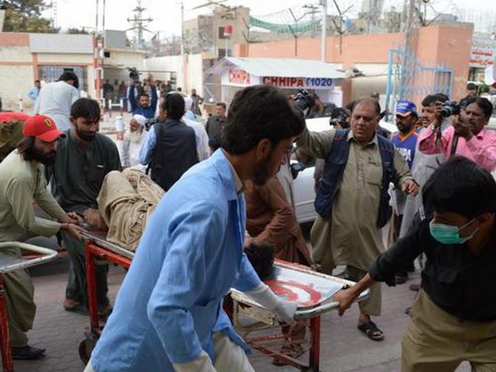 В Пакистане число погибших при взрыве на митинге возросло до 128 человек