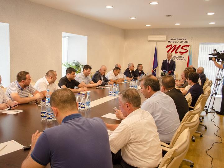 Афлатун Амашов: СМИ, в основном, отнеслись  объективно к событиям в Гяндже и аварии в Мингячевире - ФОТО