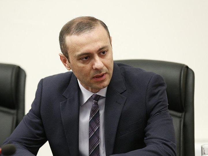 Армения усилит военно-промышленное сотрудничество с Россией - секретарь Совбеза