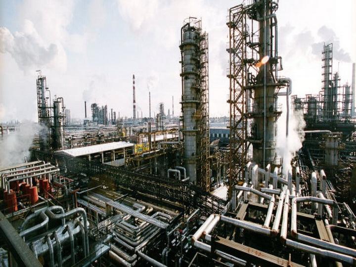 В Азербайджане зафиксирован рост выпуска по основным видам нефтепродуктов, кроме автобензина