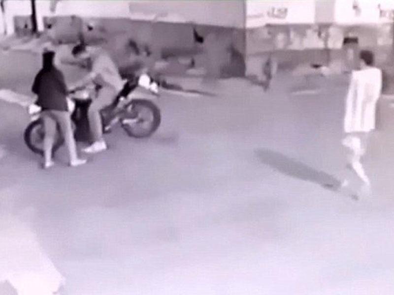 Polis ona və nişanlısına hücum edən quldurları güllələdi – VİDEO