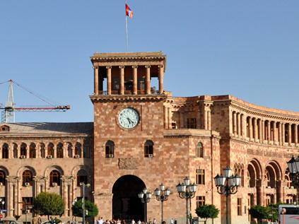 Новые власти Армении поручили «защиту» марионеточного режима своим отпрыскам