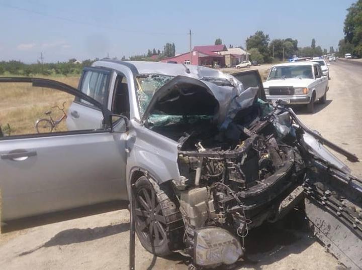 В Азербайджане легковушка врезалась в автобус с пассажирами: один человек погиб – ШОКИРУЮЩИЕ ФОТО