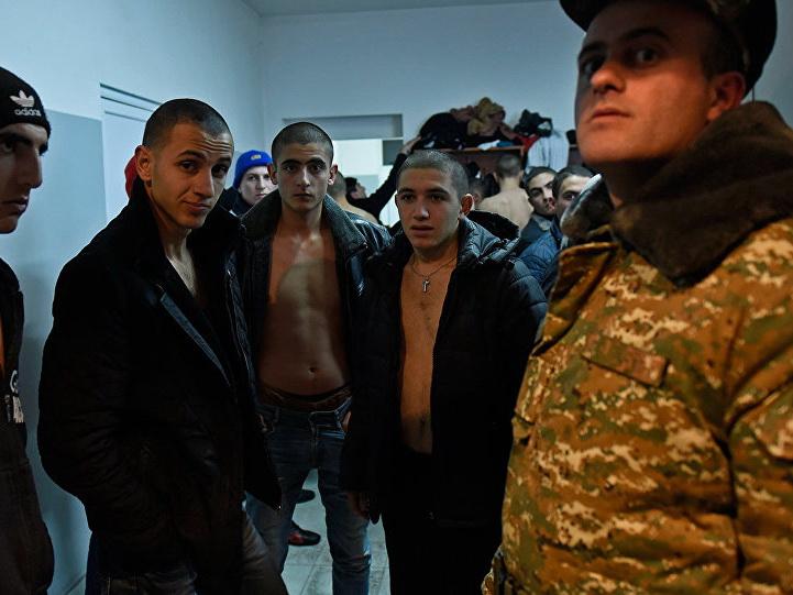 В Армении призывникам ставили фальшивые диагнозы и освобождали от службы в армии