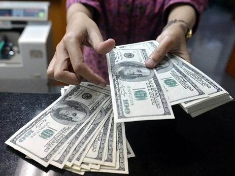 Dolların sabaha olan rəsmi məzənnəsi açıqlanıb