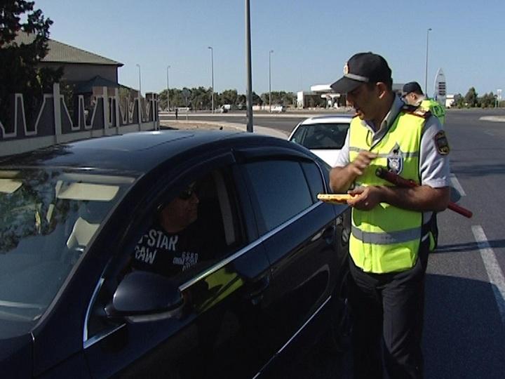 Заботливый рейд азербайджанской полиции удивил водителей – ВИДЕО