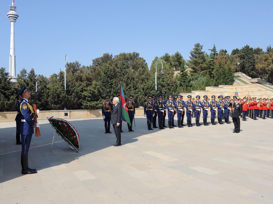 Президент Италии посетил Аллею шехидов - ФОТО