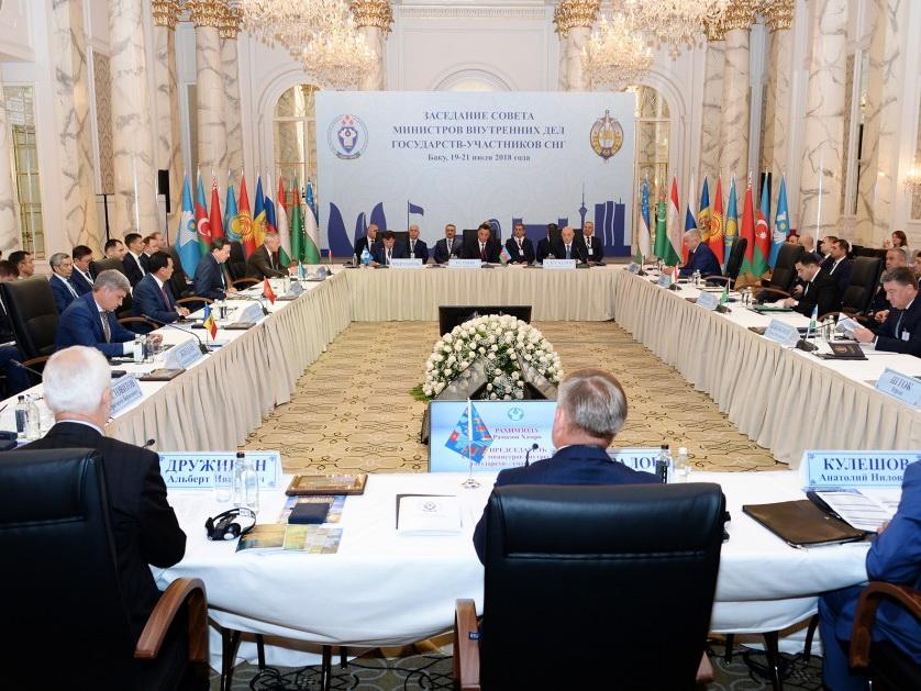 В Баку состоялось очередное заседание Совета министров внутренних дел государств-участников СНГ - ФОТО