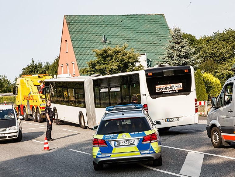Немецкая полиция сообщила о десяти пострадавших при нападении в автобусе