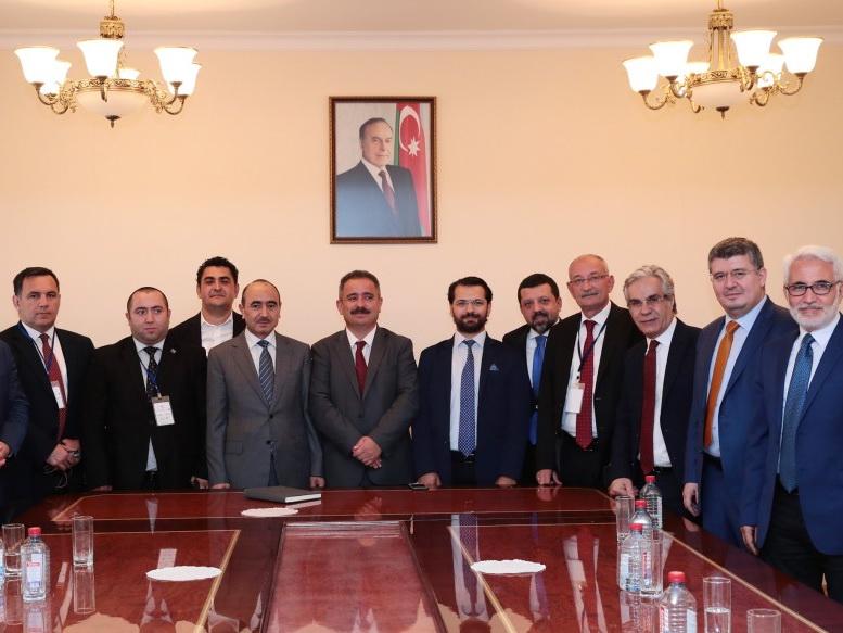 Помощник Президента по общественно-политическим вопросам встретился с группой турецких журналистов - ФОТО