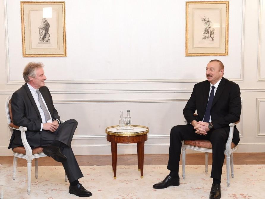 Ильхам Алиев встретился в Париже с генеральным вице-президентом компании Thales International - ФОТО