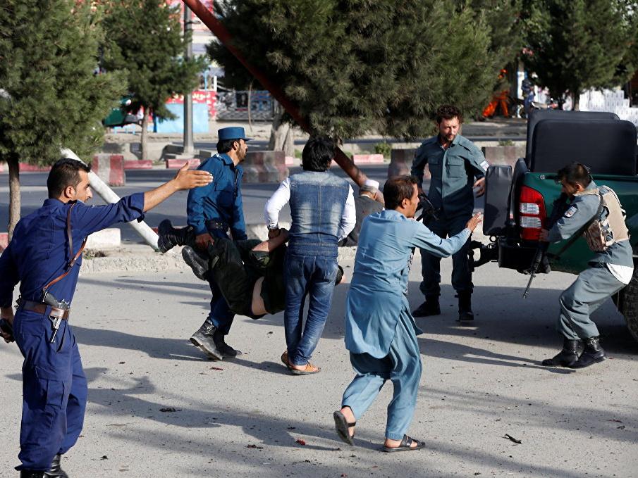 Число погибших при взрыве у аэропорта Кабула увеличилось до 16 - ОБНОВЛЕНО