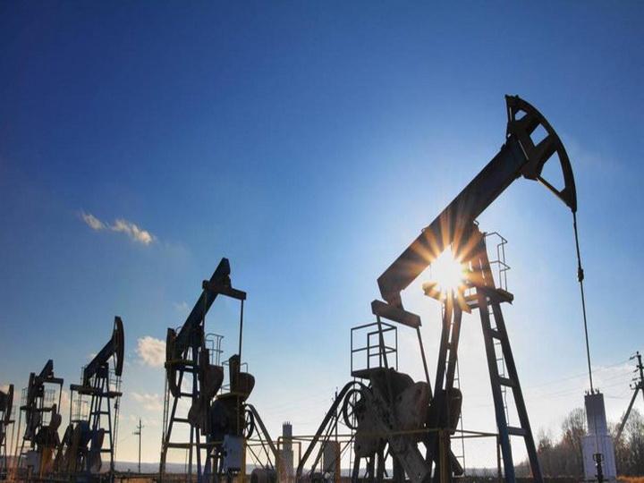 Нефть торгуется за $72-73 за баррель