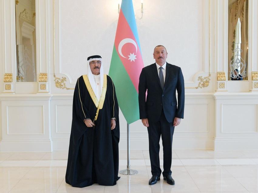 Президент Ильхам Алиев принял верительные грамоты новоназначенного посла Королевства Бахрейн в Азербайджане - ФОТО