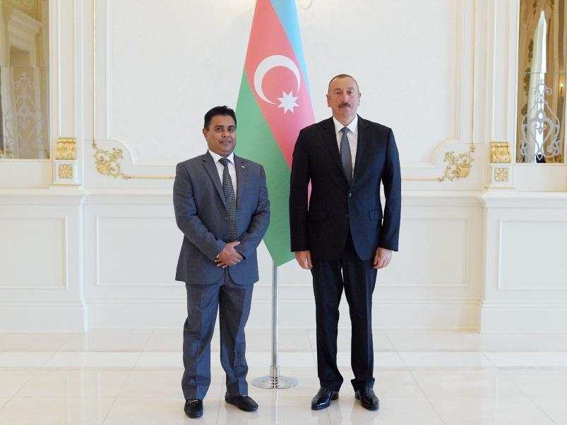 Президент Ильхам Алиев принял верительные грамоты новоназначенного посла Шри-Ланки в Азербайджане - ФОТО