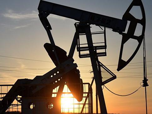 Мировые цены на нефть снижаются на «торговой войне» США и Китая