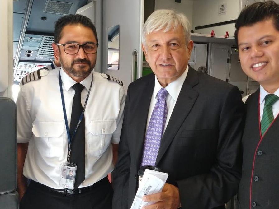 Будущий президент Мексики полетел на север страны рейсом лоукостера