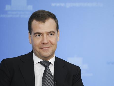 Медведев расценил усиление санкций США как объявление экономической войны