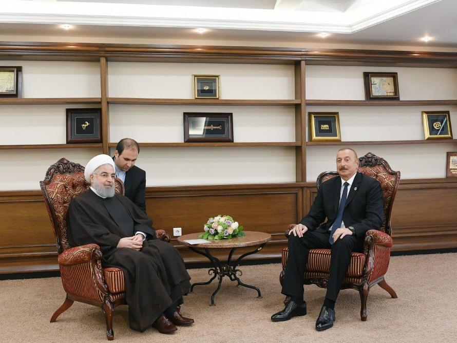 Президент Ильхам Алиев встретился в Актау с Хасаном Роухани