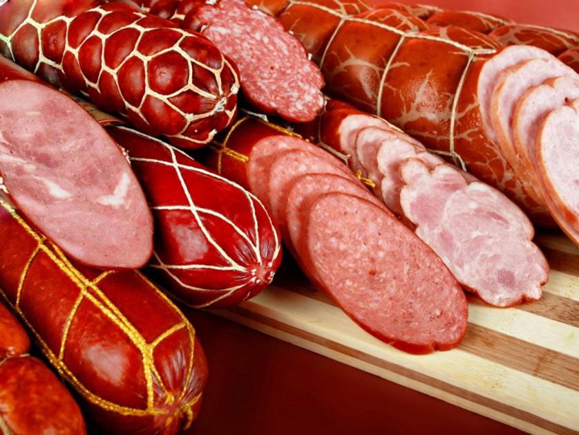 В России предложили запретить называть колбасу колбасой