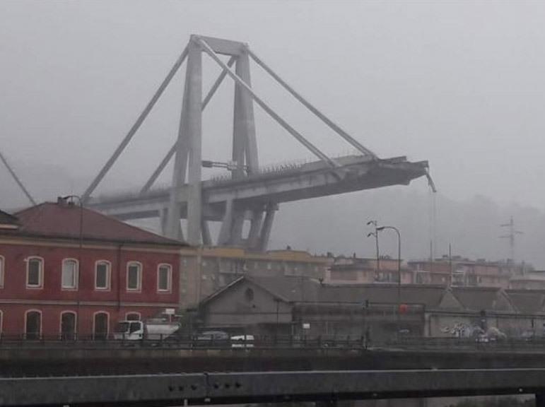 İtaliyada körpü çöküb: ölən və yaralananlar var - FOTO - VİDEO