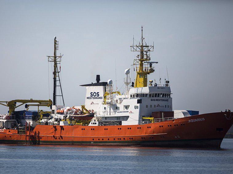 Три страны Евросоюза примут мигрантов с судна Aquarius