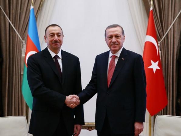 Братская помощь: помогут ли азербайджанские инвестиции Турции спасти лиру?