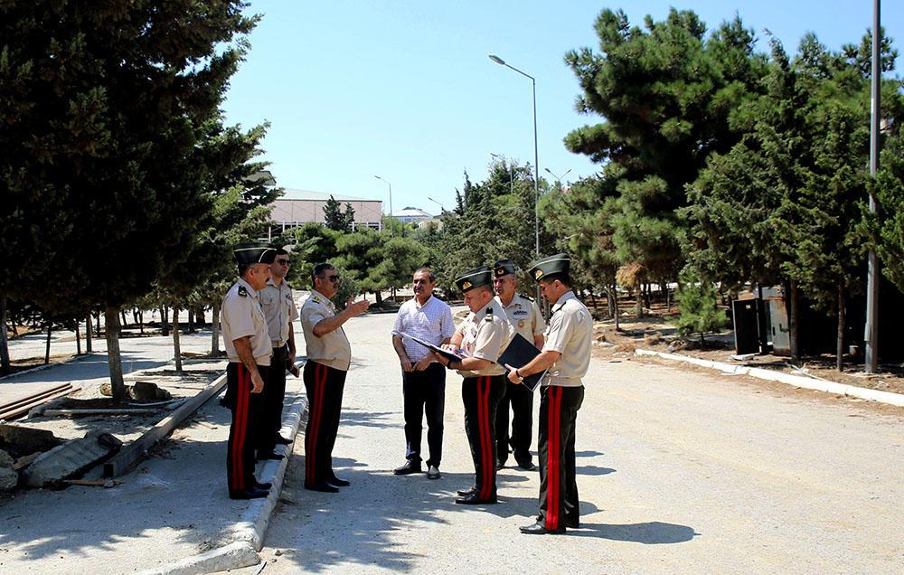 Müdafiə naziri Hərbi Liseydə aparılan təmir-tikinti işlərini gedişini yoxlayıb - FOTO