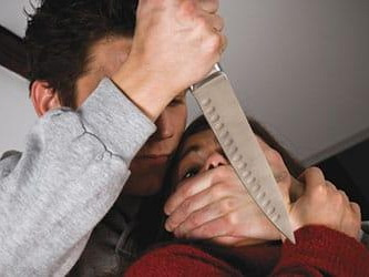 В Азербайджане муж на глазах у детей убил жену, которая хотела с ним развестись